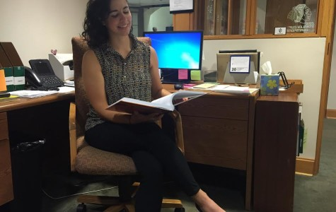 Alumna Returns to Revitalize Library