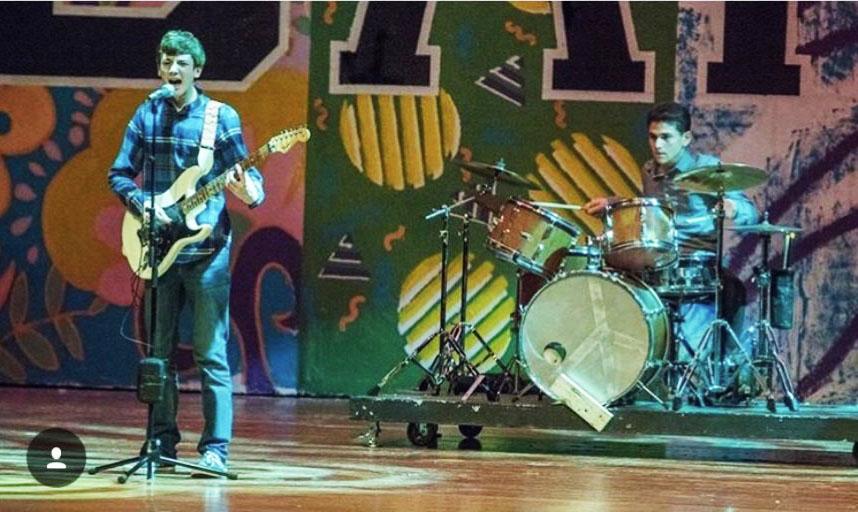 The+Vigilantes+performing+in+Banua.+