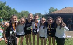 Navigation to Story: Cross Country Triumphs Over COVID-19